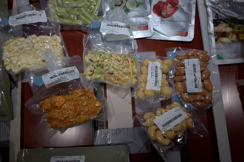 Some mixed nuts including macadamia ones, my favourite.
