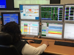 Anna Pateraki on the STRATOS console supporting the work from ground. Credits: DLR